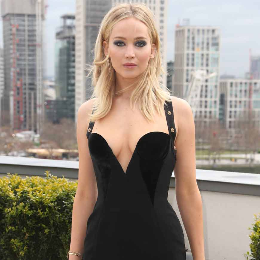 Jennifer-Lawrence-black-dress-hd-photos