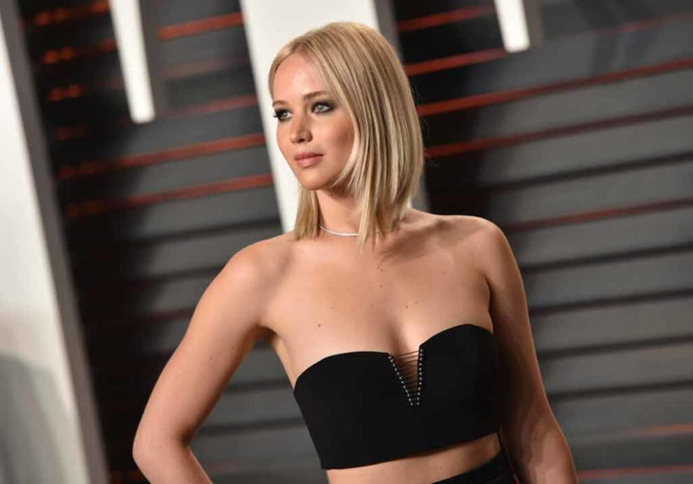 gorgeous-jennifer-lawrence-sexy-pose-stills-make-everyone-heart-felt