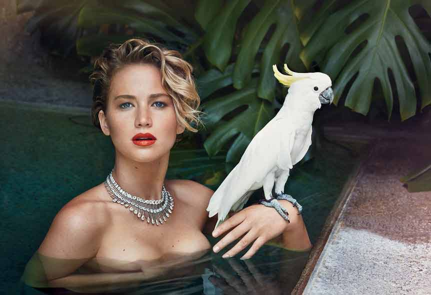 jennifer-lawrence-boobs-photos-clicked-for-a-famous-magazine-in-swimming-pool