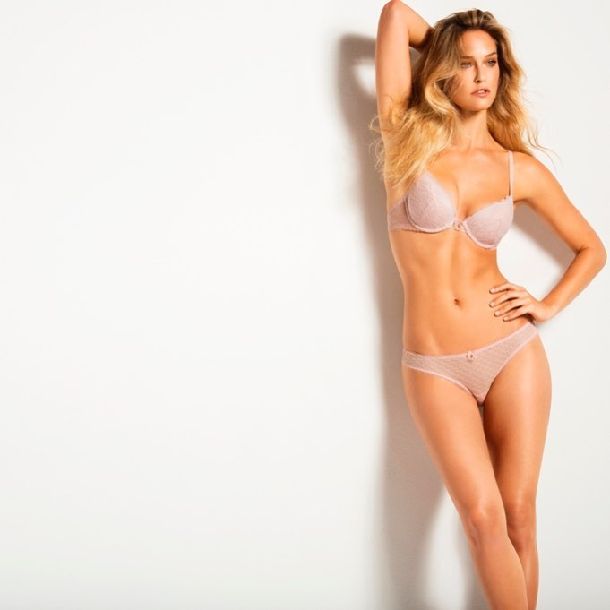 Supermodel Bar Refaeli Poses in bikini