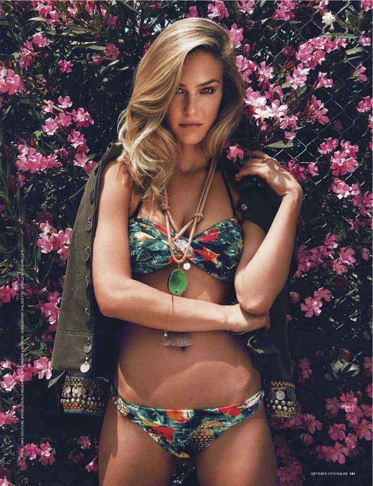 Blonde Bombshell Bar Refaeli Swimsuit Pictures