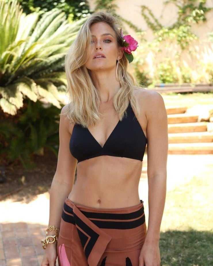 bikini-images-of-bar-refaeli