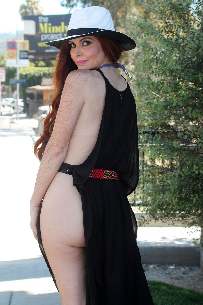 phoebe price sexy pictures showing her butt