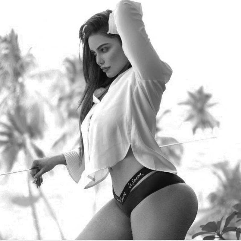 sexy-tight-gizele-thakral-panty-hugging-her-curvy-ass