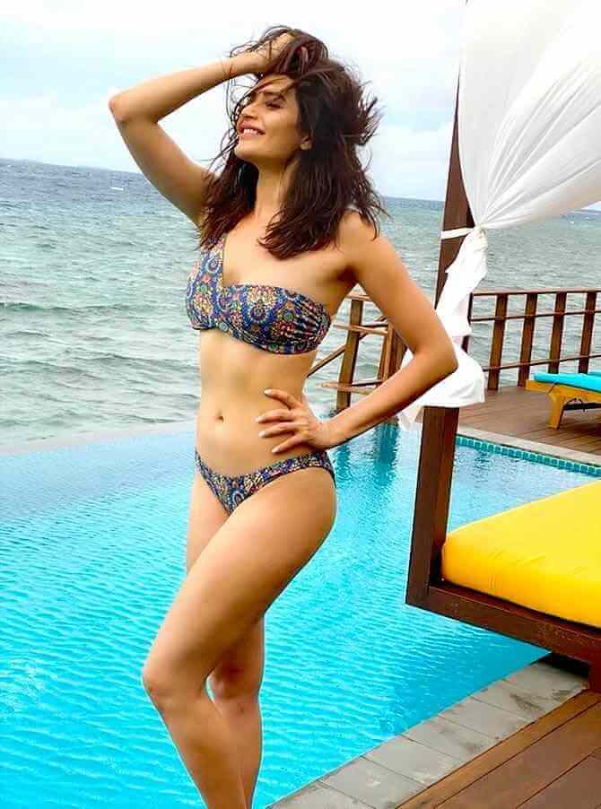 Actress Karishma Tanna bikini pics with big smile