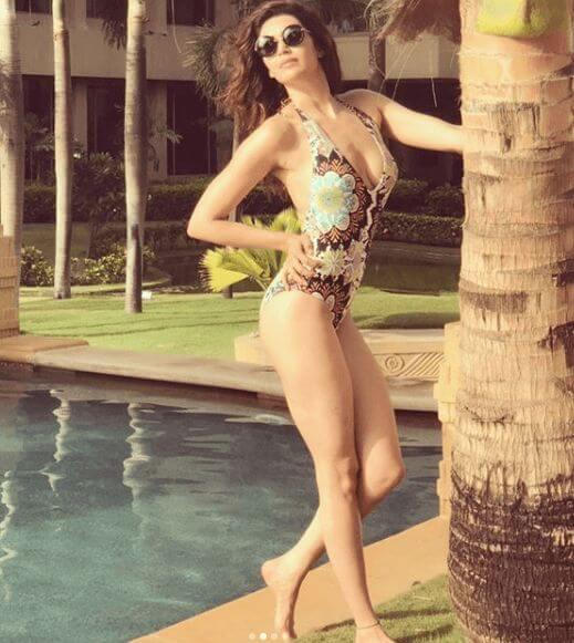 Karishma Tanna Posing in Bikini Show Off Her Curves