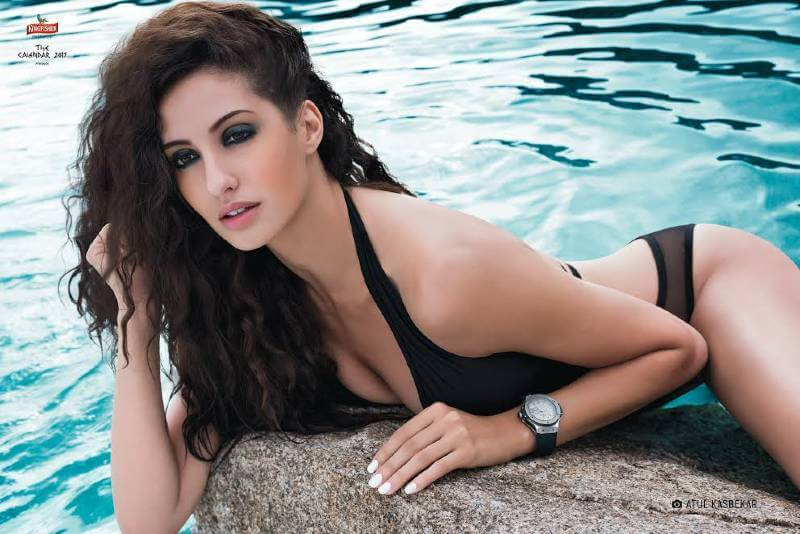 Nora-Fatehi-photos-Clicked-in-bikini-swimsuit-all-her-pictures-are-simply-stunning_002