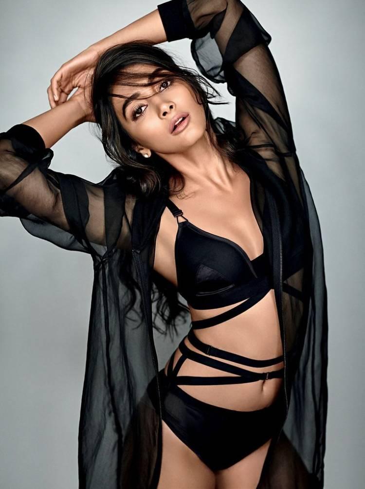 actress pooja hegde bikini photos