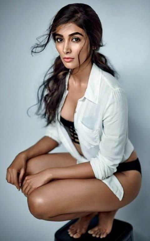 hot actress pooja hegde hot ass in black panty