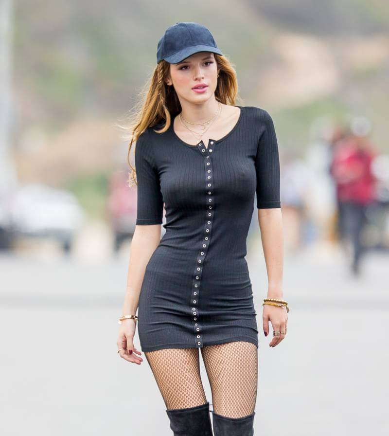 bella-thorne-leaked-photos-braless-boobs-nipple-show-pictures-7