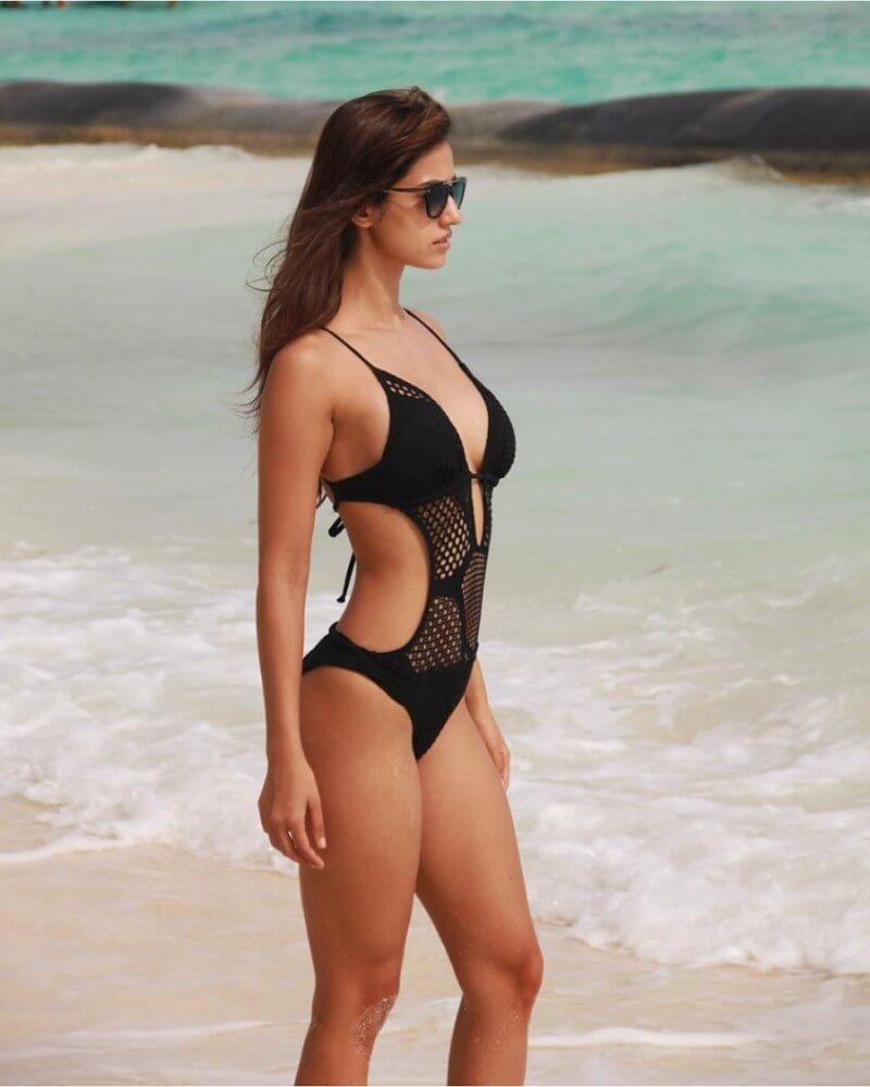 disha-patani-black-bikini
