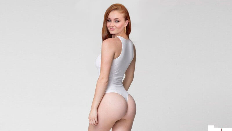 hot-Sophie-Turner-bikini-shows-her-hot-bare-ass