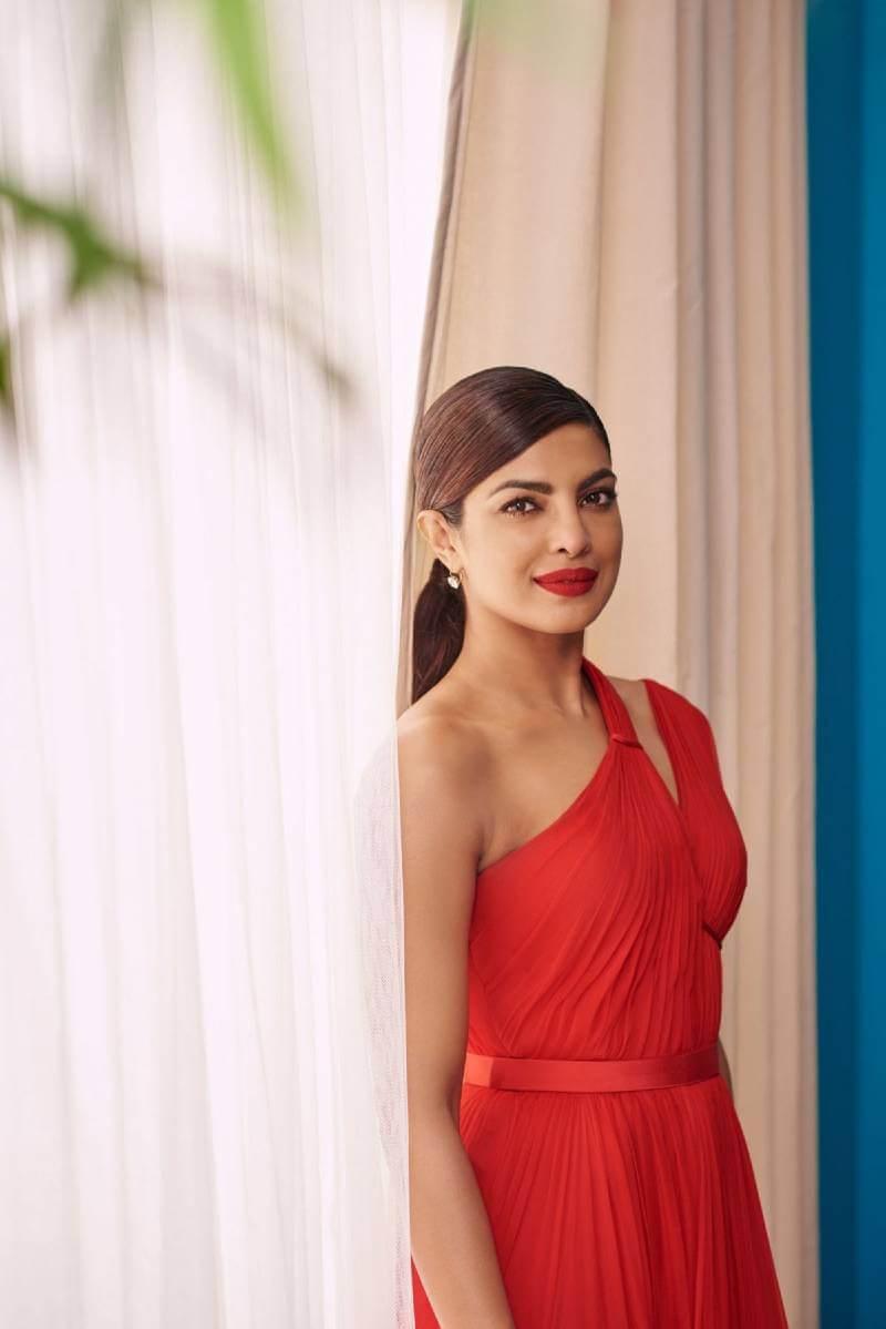 sexy-priyanka-chopra-images-from-emmy-magazine-9