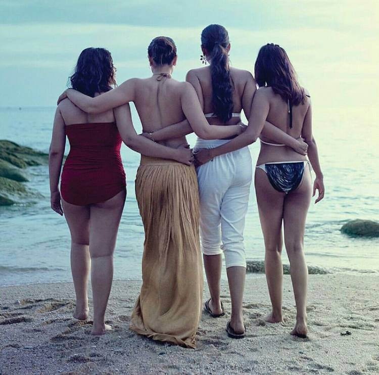 kareena-kapoor-in-veere-di-wedding-bikini-photos