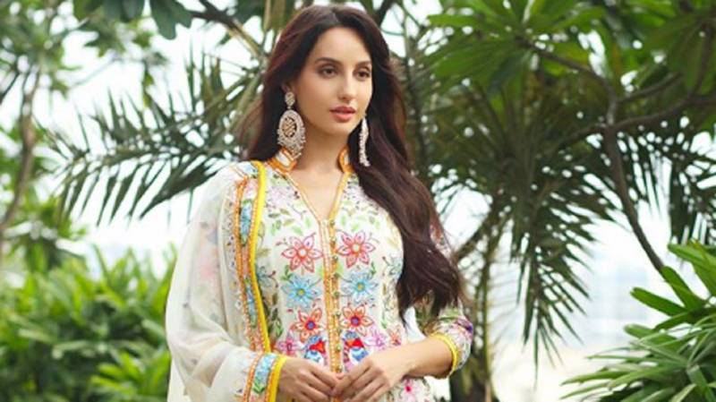 nora-fatehi-indian-look-in-suits