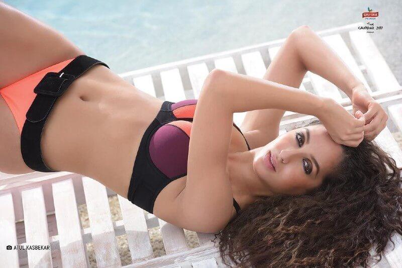 sexy-nora-fatehi-bikini-picture-clicked-for-kingfisher-calender