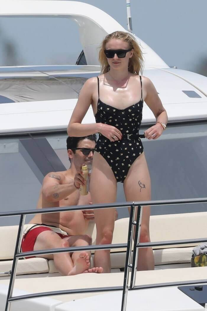 united states actress sophie-turner-in-bikini-at-a-yacht-with-boyfriend