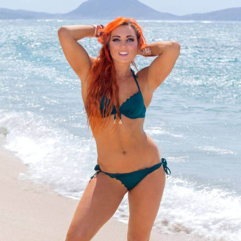 Becky-Lynch-wwe-diva-hot-photos-in-bikini