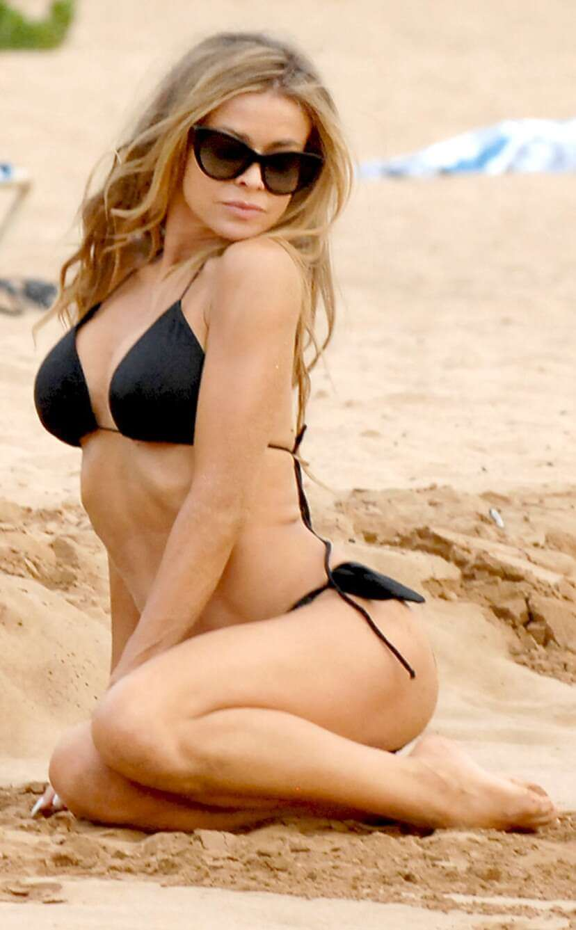 Carmen-Electra-Looks-incredible-in-Bikini-pictures