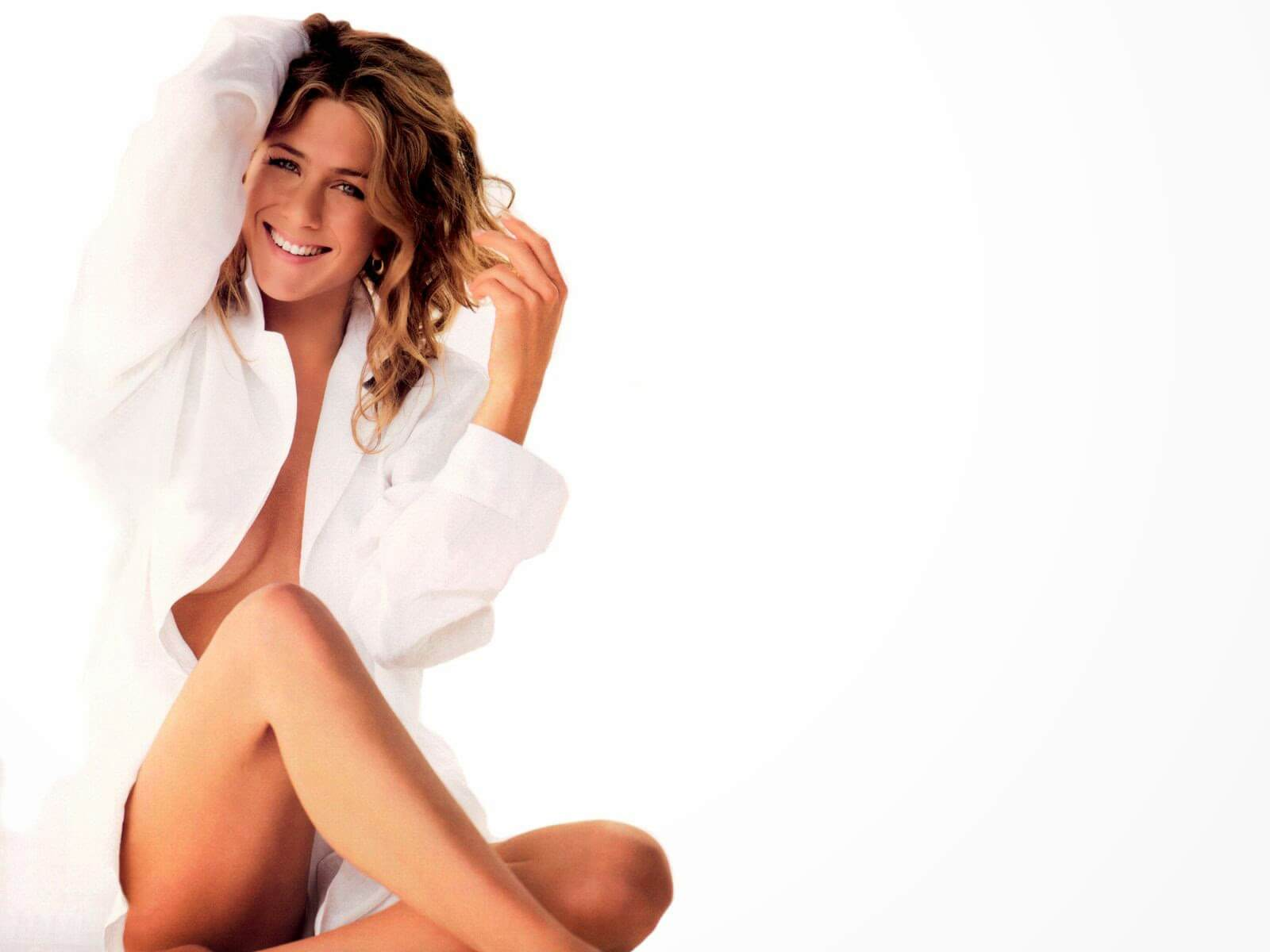 Jennifer-Aniston-Sexy-pictures-wearing-shirt-only