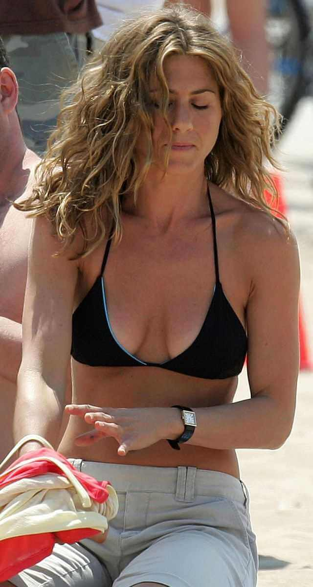 Jennifer-Aniston-on-Black-Bikini-and-jeans