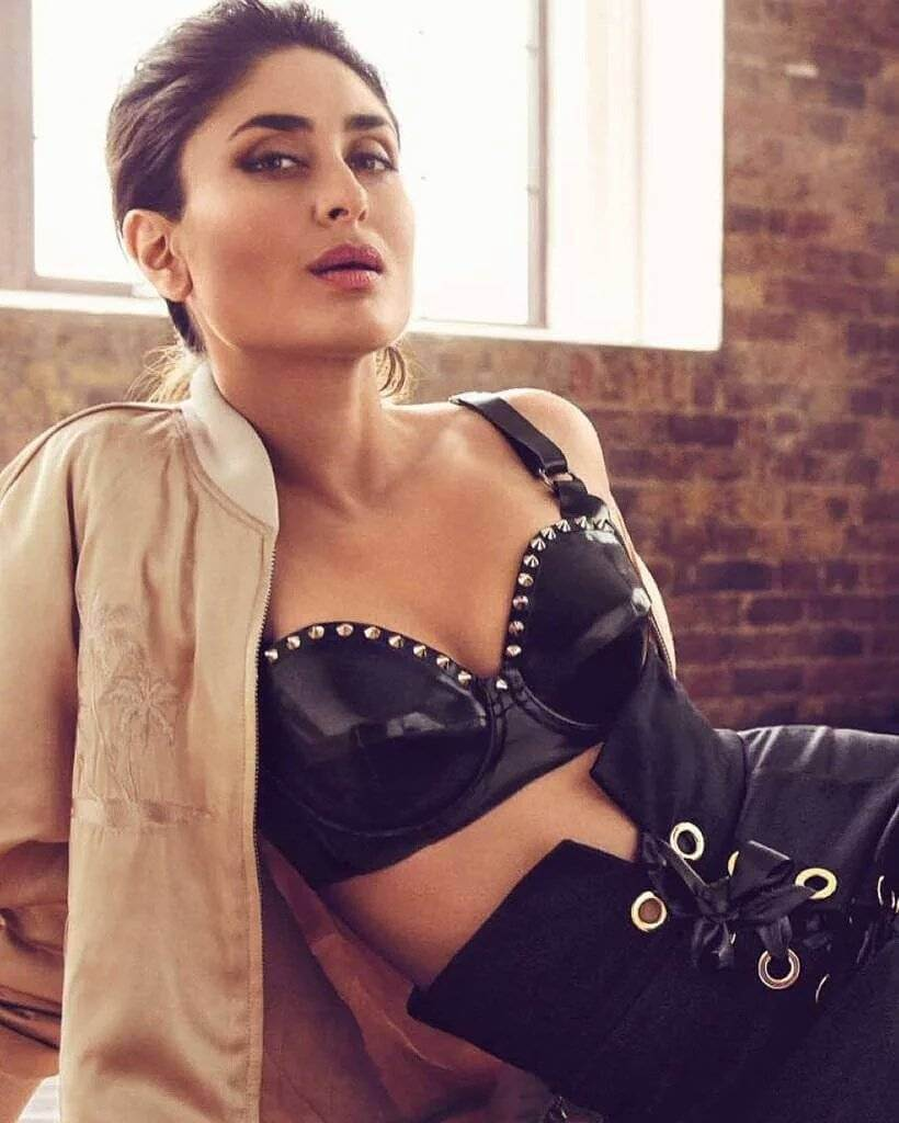 Kareena-kapoor-hot-photos-in-black-bikini-looking-mesmerising