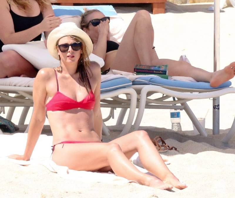 Maria-Sharapova-raises-heat-in-Red-Bikini