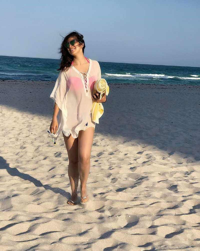 Raai-Laxmi-thighs-pics-in-bikini-images