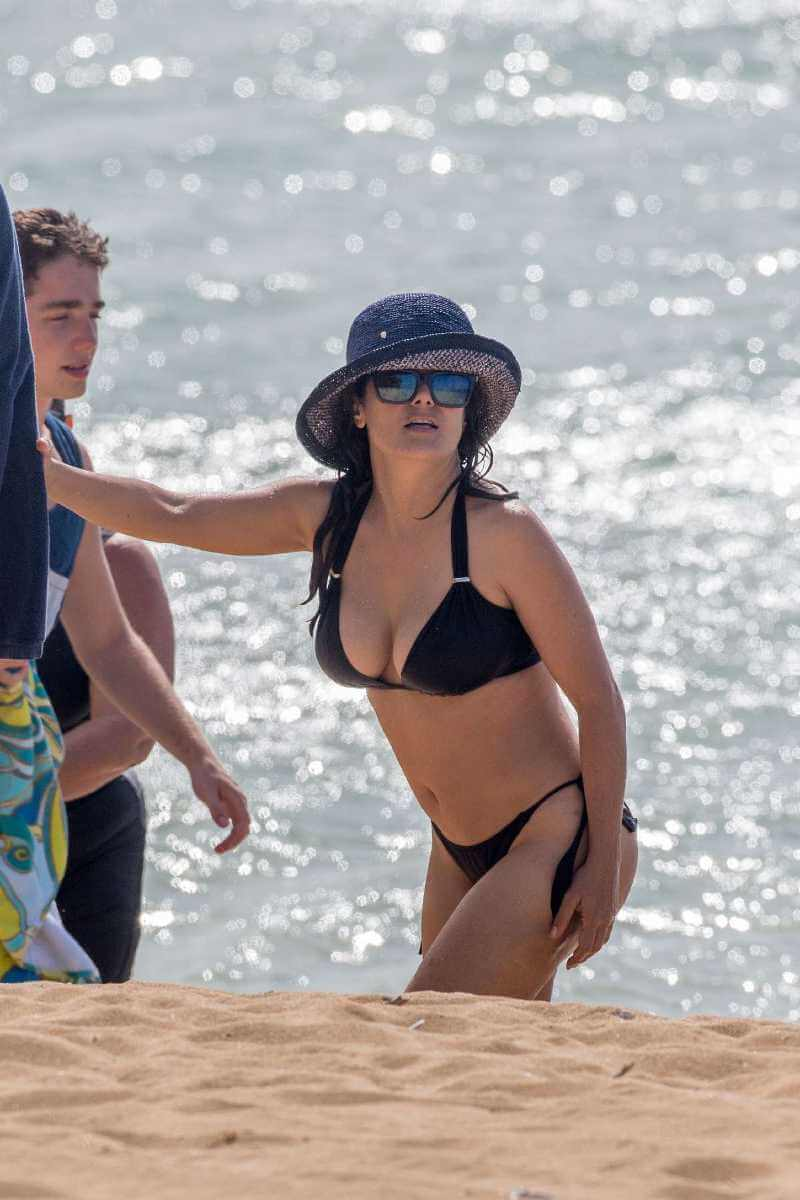 Salma-Hayek-in-Black-Bikini