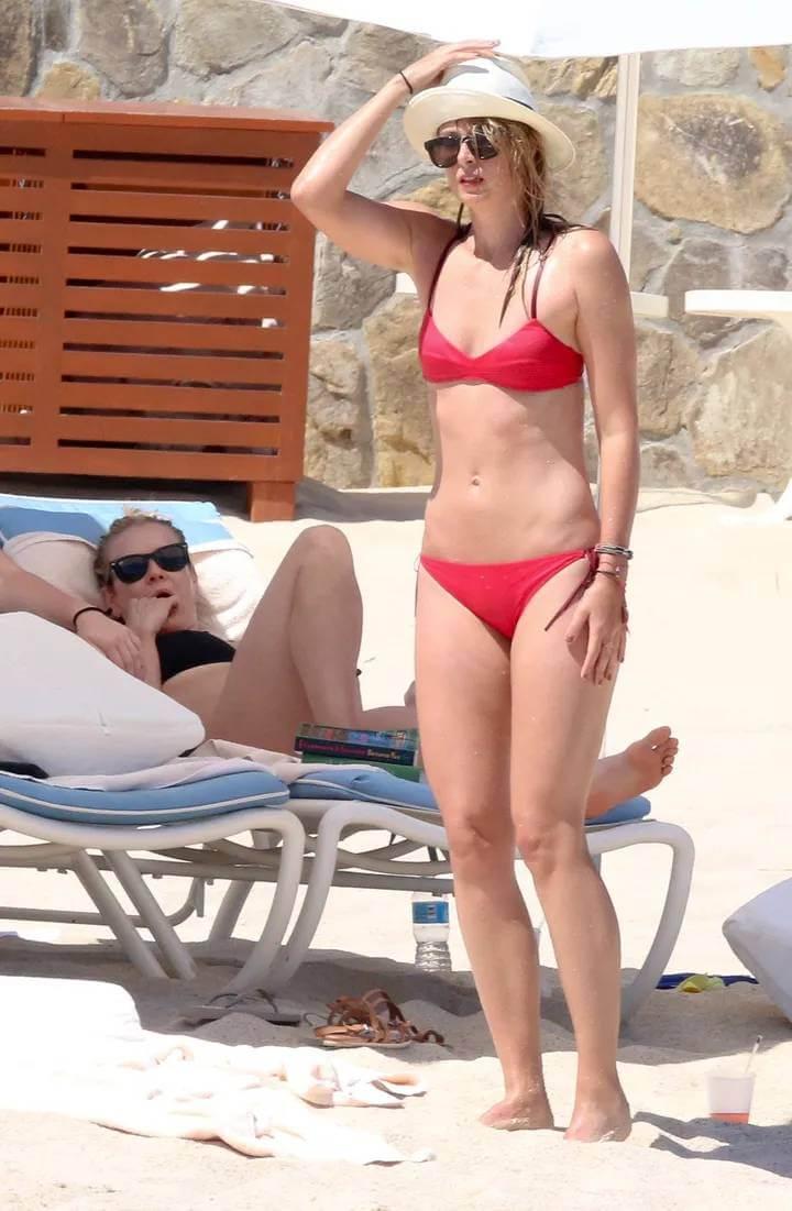 Tennis-star-Maria-sharapova-hot-bikini-stills