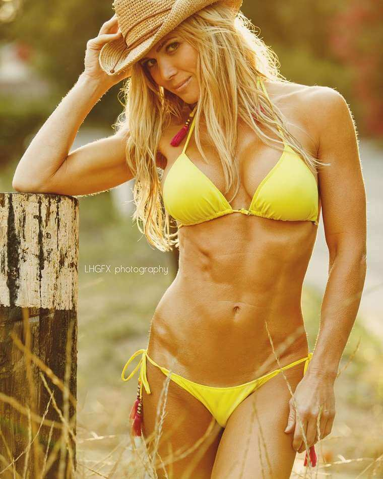 Torrie-Wilson-killing-with-her-hottest-pics-in-yellow-bikini