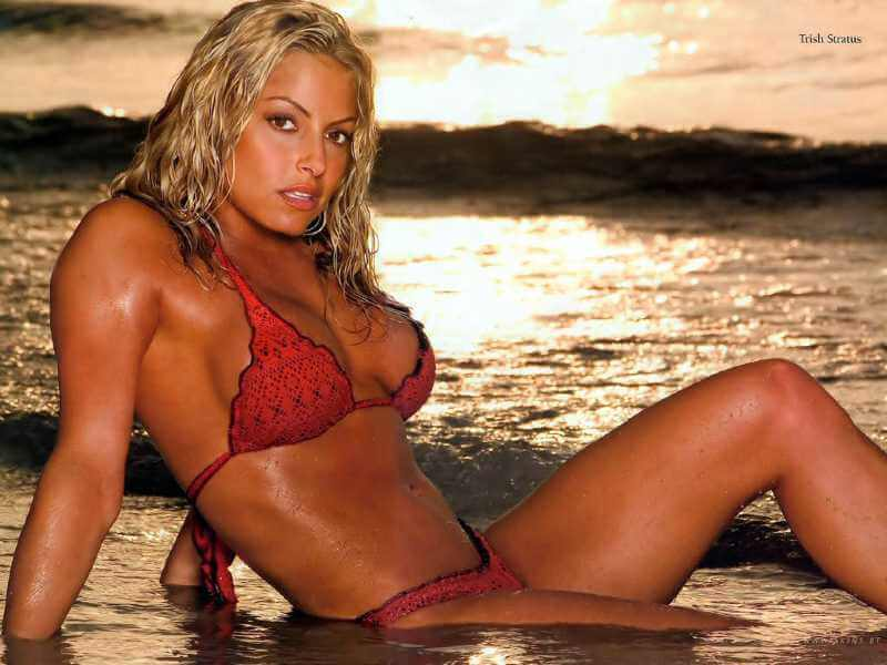 Trish-Stratus-in-bikini-enjoying-in-water
