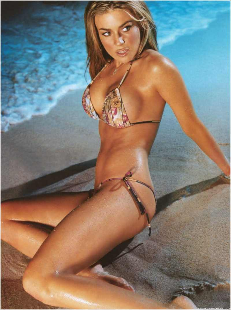 actress-carmen-electra-sizzles-in-tinest-bikini-on-beach