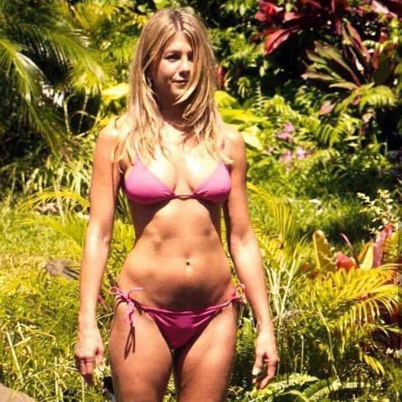 actress-jennifer-aniston-in-pink-bikini