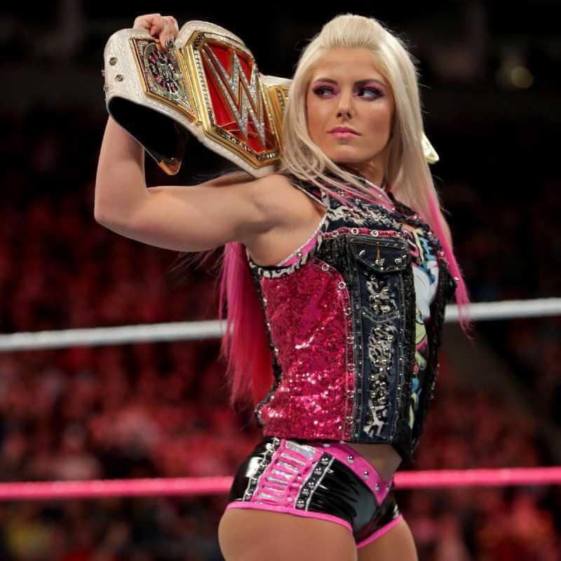 sexy-diva-alexa-bliss-hot-butt-pictures-in-wwe-outfit-shorts