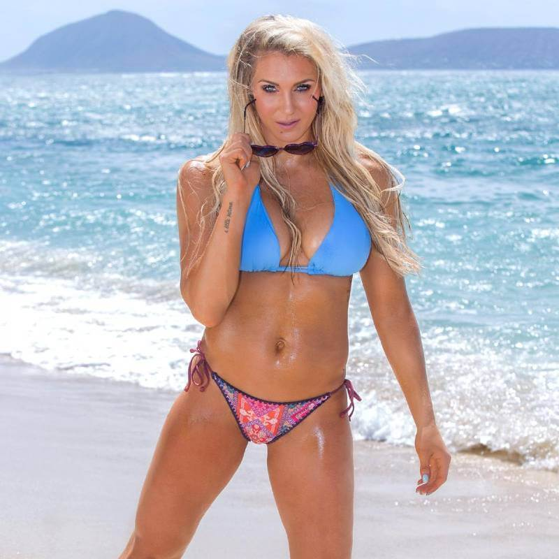becky-lynch-wows-in-stylish-bikini-on-beach