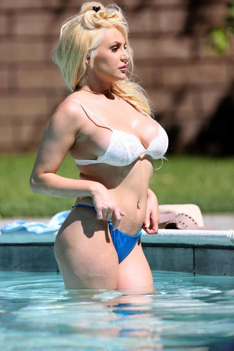 courtney-stodden-in-bikini-at-a-pool-in-palm-springs