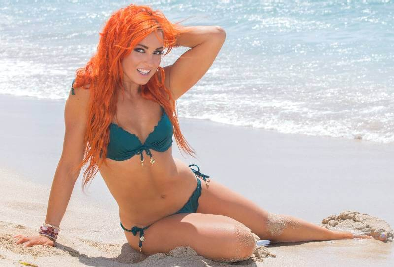 hot-Becky-Lynch-Bikini-Pictures-having-fun-on-beachc