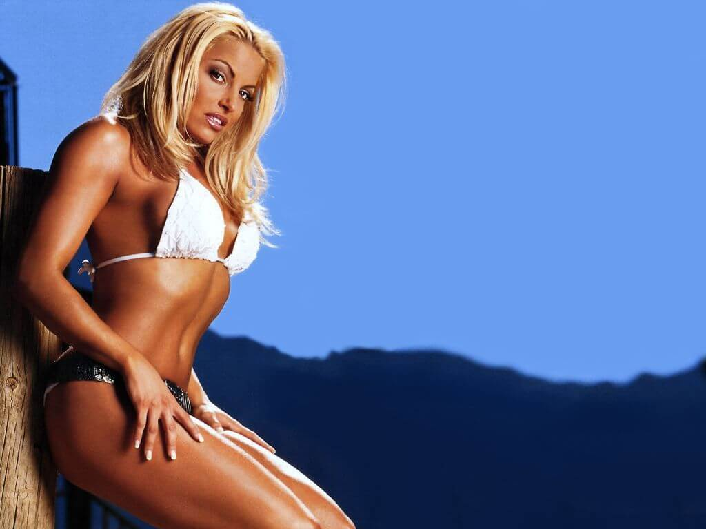 hot-trish-stratus-bikini-wallpapers-and-background-images