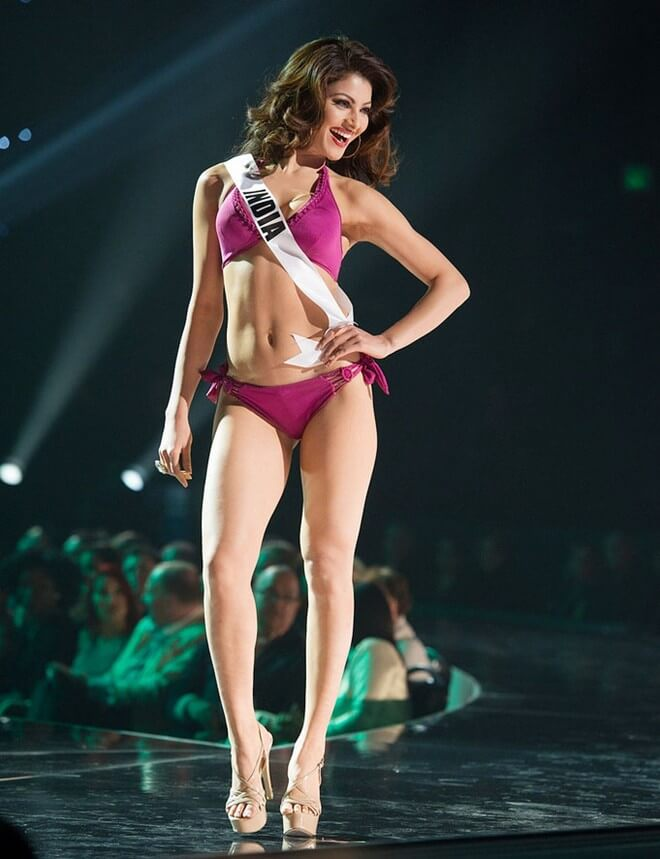 hot-urvashi-rautela-bikini-images-from-ramp-walk-in-world-contest