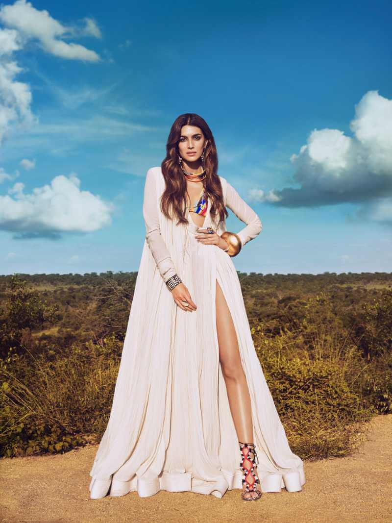 bollywood-actress-kriti-sanon-hot-photo-from-her-vouge-shoot