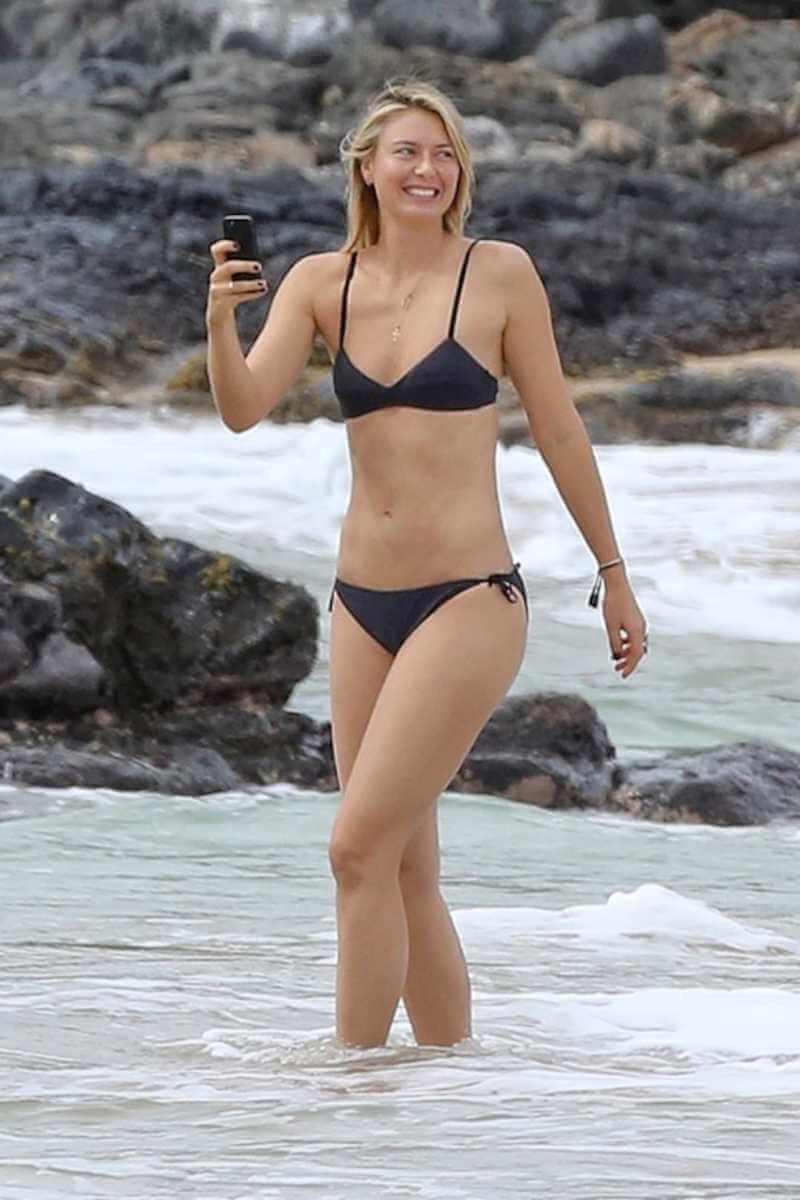 maria-sharapova-exhibits-her-brilliant-body-in-bikini-swimsuit