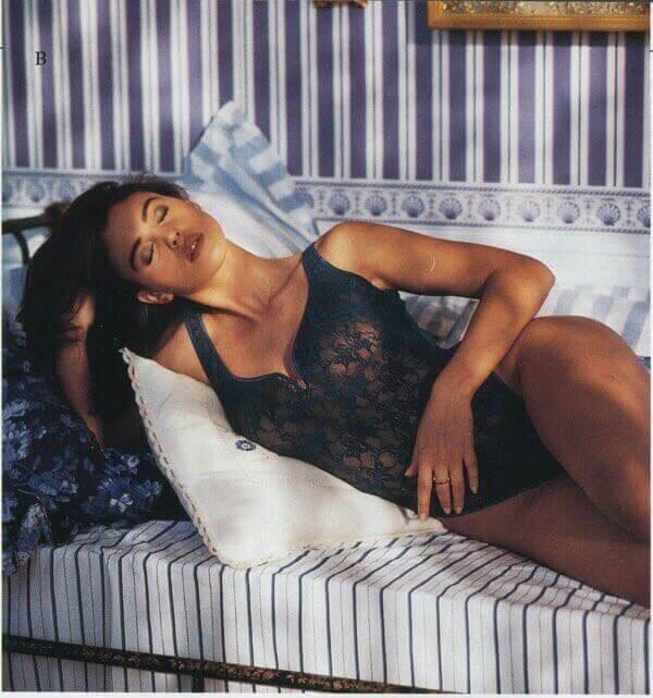 monica-bellucci-blue-transparent-bikini-images