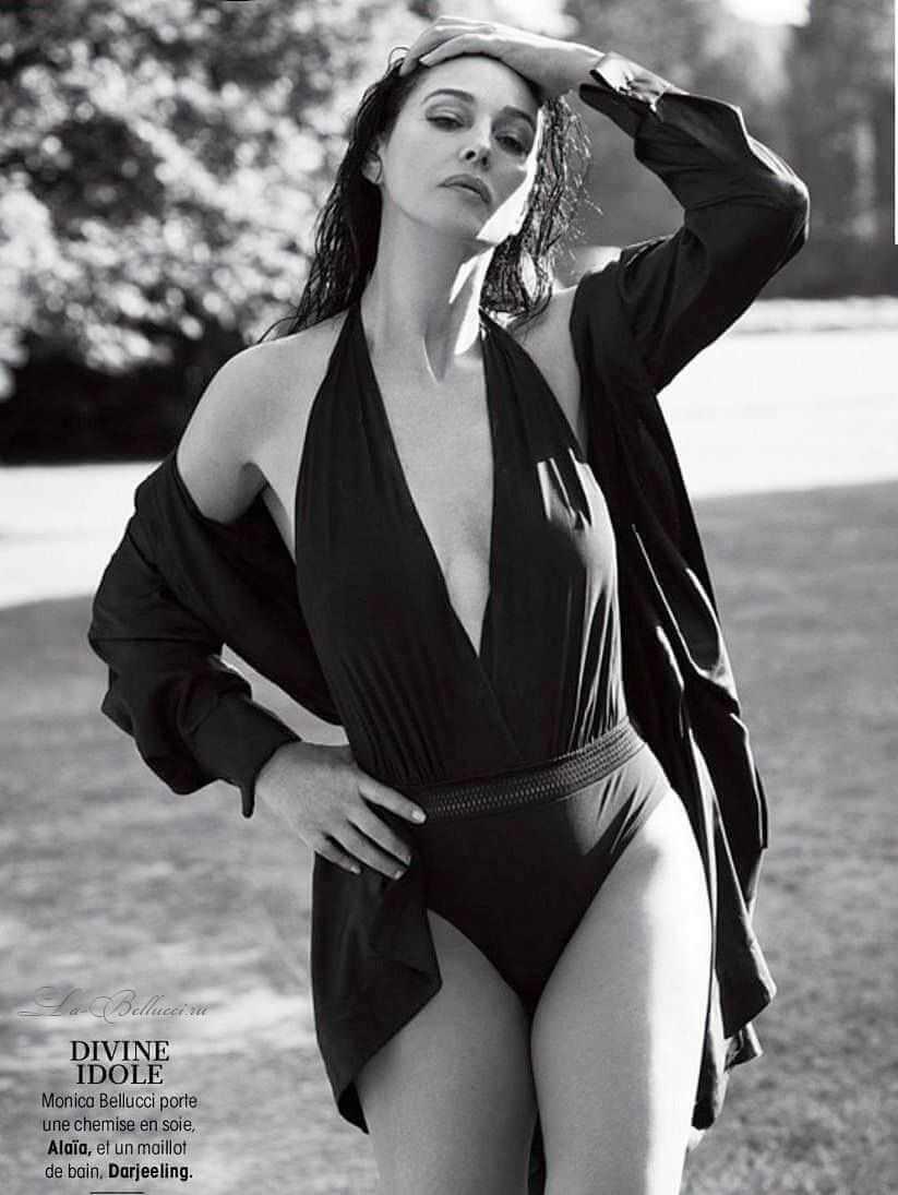 monica-bellucci-hot-bikini-photos-from-her-famous-magazine-photoshoot