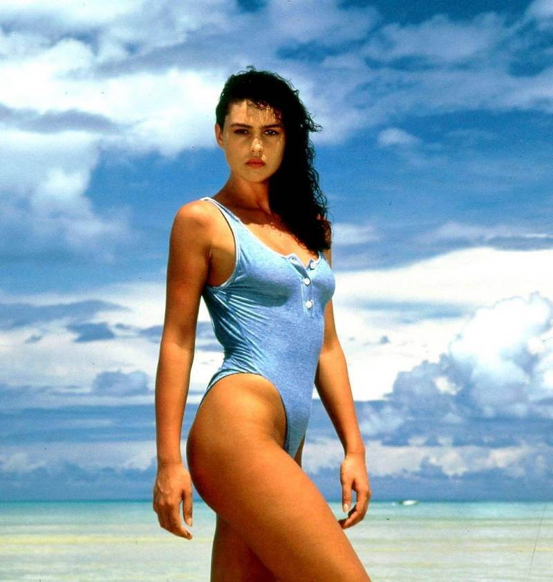 monica-bellucci-net-swimsuit-bikini-photoshoot-sexy-butt-images