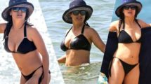salma-hayek-bikini-photos-on-yacht