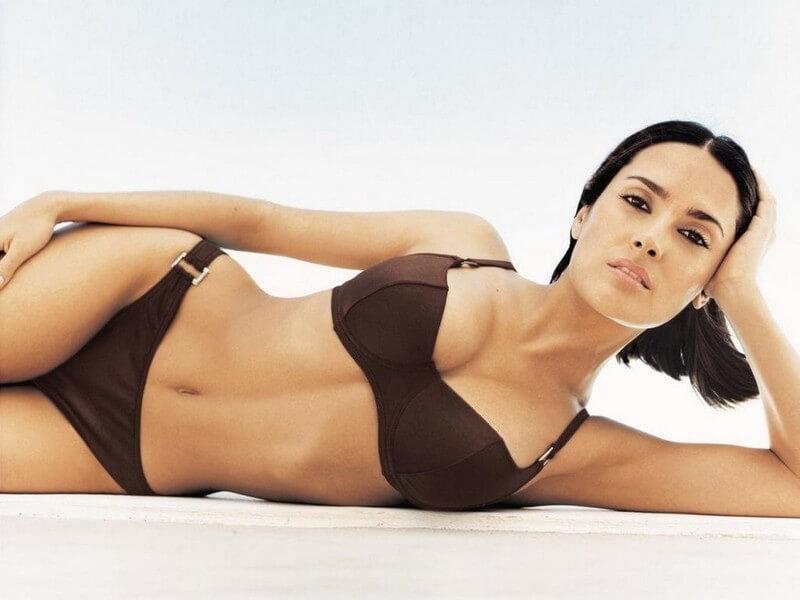 salma-hayek-swimsuit-photos-showing-her-curvy-body-assets