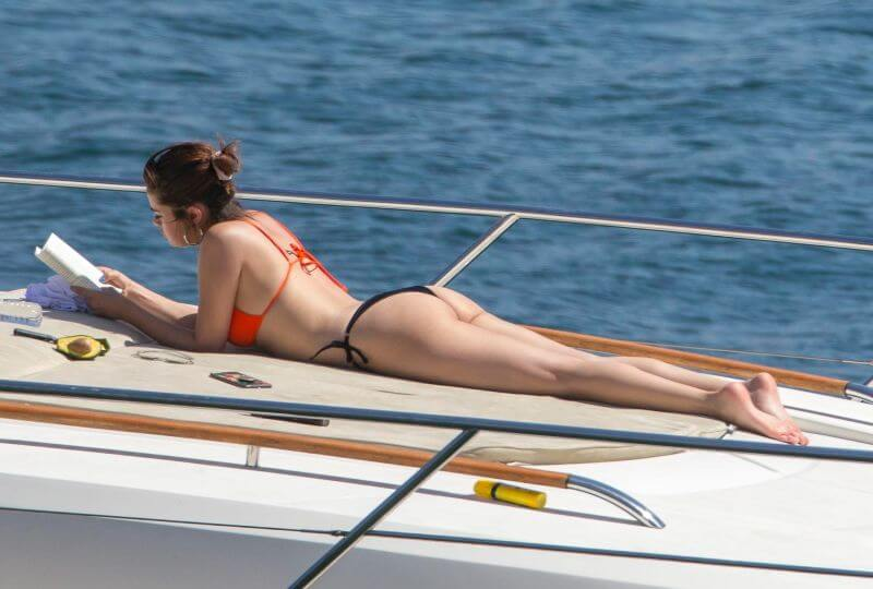 young-star-selena-gomez-hot-ass-stills-in-swimsuit-lying-on-yatch