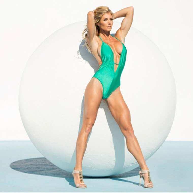 sexiest-Torrie-Wilson-hottest-swimsuit-photoshoot