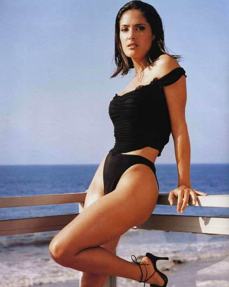 sexy-bikini-photoshoot-of-salma-hayek
